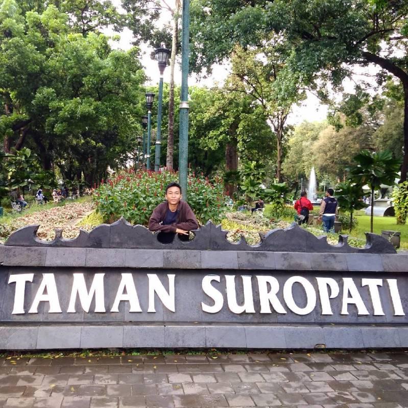 taman suropati, wisata alam tengah kota jakarta